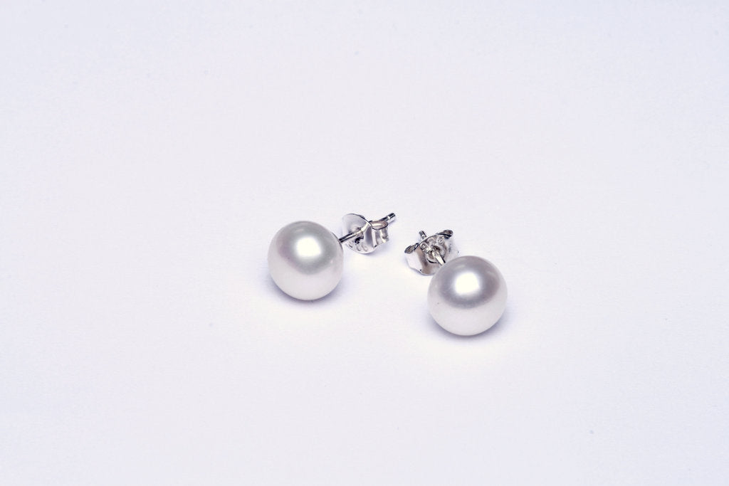 Pearl earstuds freshwater round silver