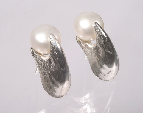 Sepia beak and pearls earstuds, Sterling Silver