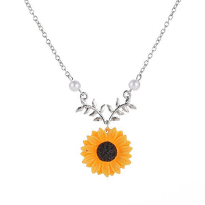 Fashion Sunflower Pendant Necklace for Women Creative Imitation Pearls Jewelry Necklace Clothes Accessories