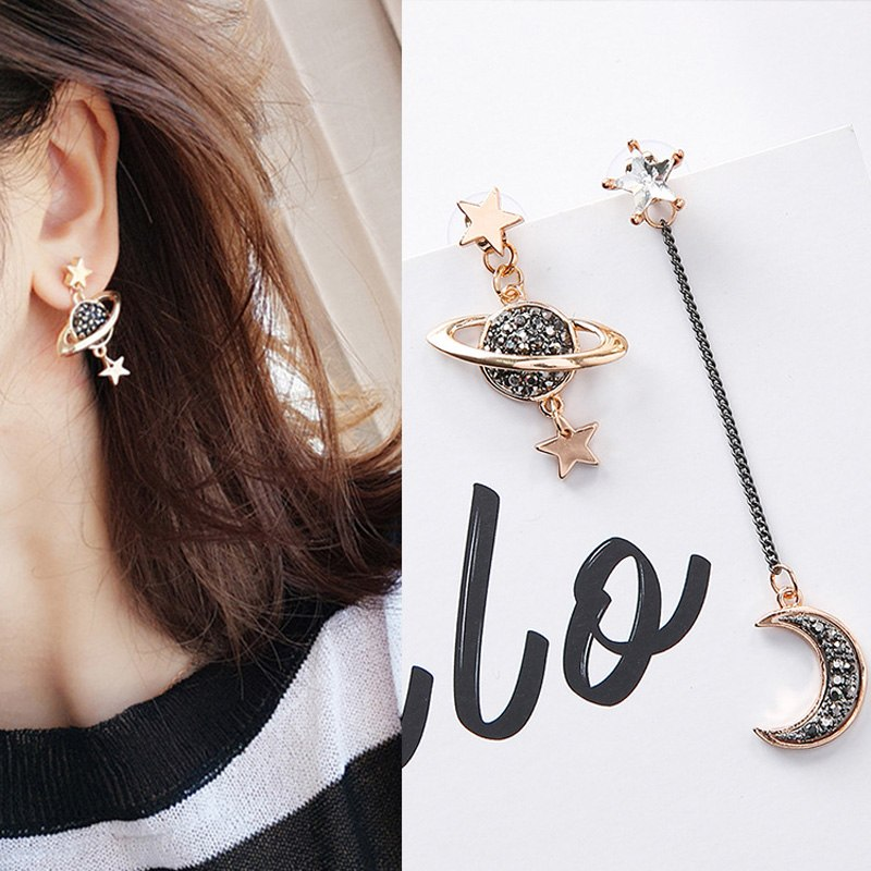 925 Silver Needle Korean Version of the Temperament Joker Saturn Asymmetric Long Earrings Female Jewelry
