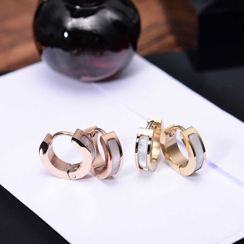 YUN RUO 2017 316 L Stainless Steel Rose Gold Color Elegant White Shell Stud Earrings Fashion Woman Jewelry Prevent Allergy 028