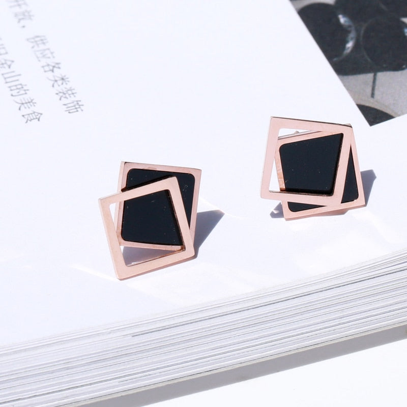YUN RUO 2018 New Arrival Fashion Black Zircon Bowknot Stud Earring Rose Gold Color Woman Gift Titanium Steel Jewelry Never Fade