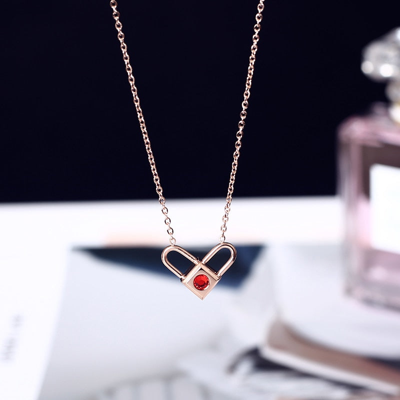 YUN RUO 2018 New Rose Gold Color Fashion Double Sides Love Heart Lock Pendant Necklace Titanium Steel Jewelry Woman Gift No Fade
