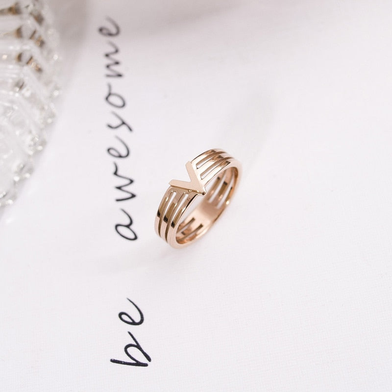 YUN RUO Modern Fashion Rose Gold Color V Shape Ring Lady's Christmas Gift for Woman Fashion Titanium Steel Jewelry Never Fade
