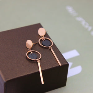YUNRUO Brand Rose Gold Color Elegant Black Round Tassel Stud Earring for Woman Girl 316L Stainless Steel Fashion Jewelry Hot