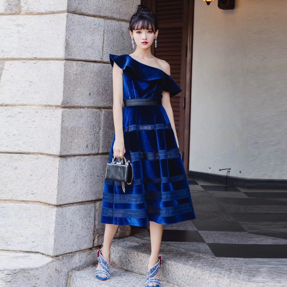 Sexy Velvet Dress 2018 New Year Self Portrait Dress Oblique Ruffle One Shoulder Women Ball Gown Midi Dress vestido de festa