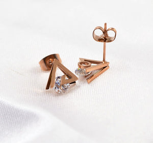 Fashion Rose Gold Color AAA Zirconia Triangle Stud Earring