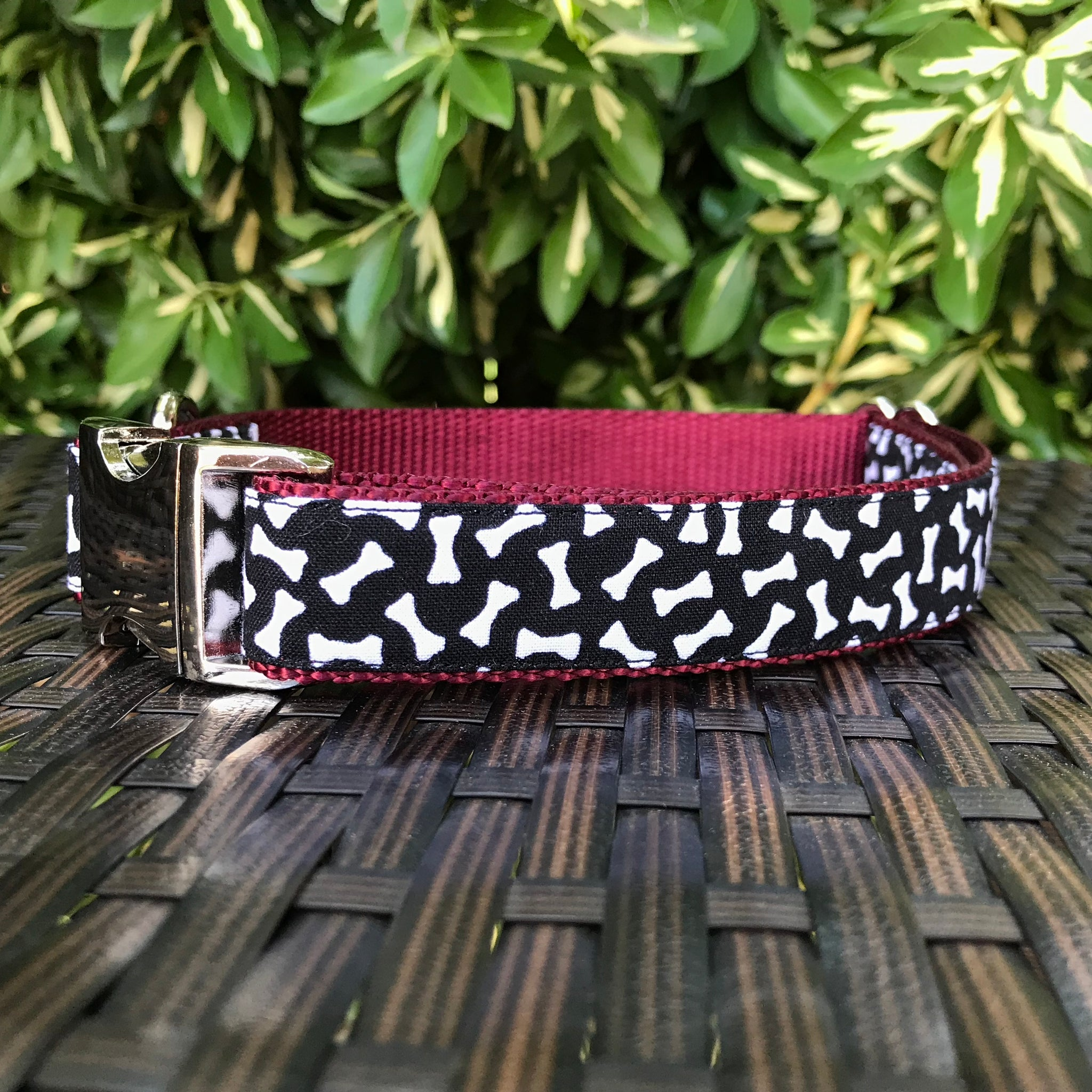 Bones Galore Dog Collar - Hound Lines