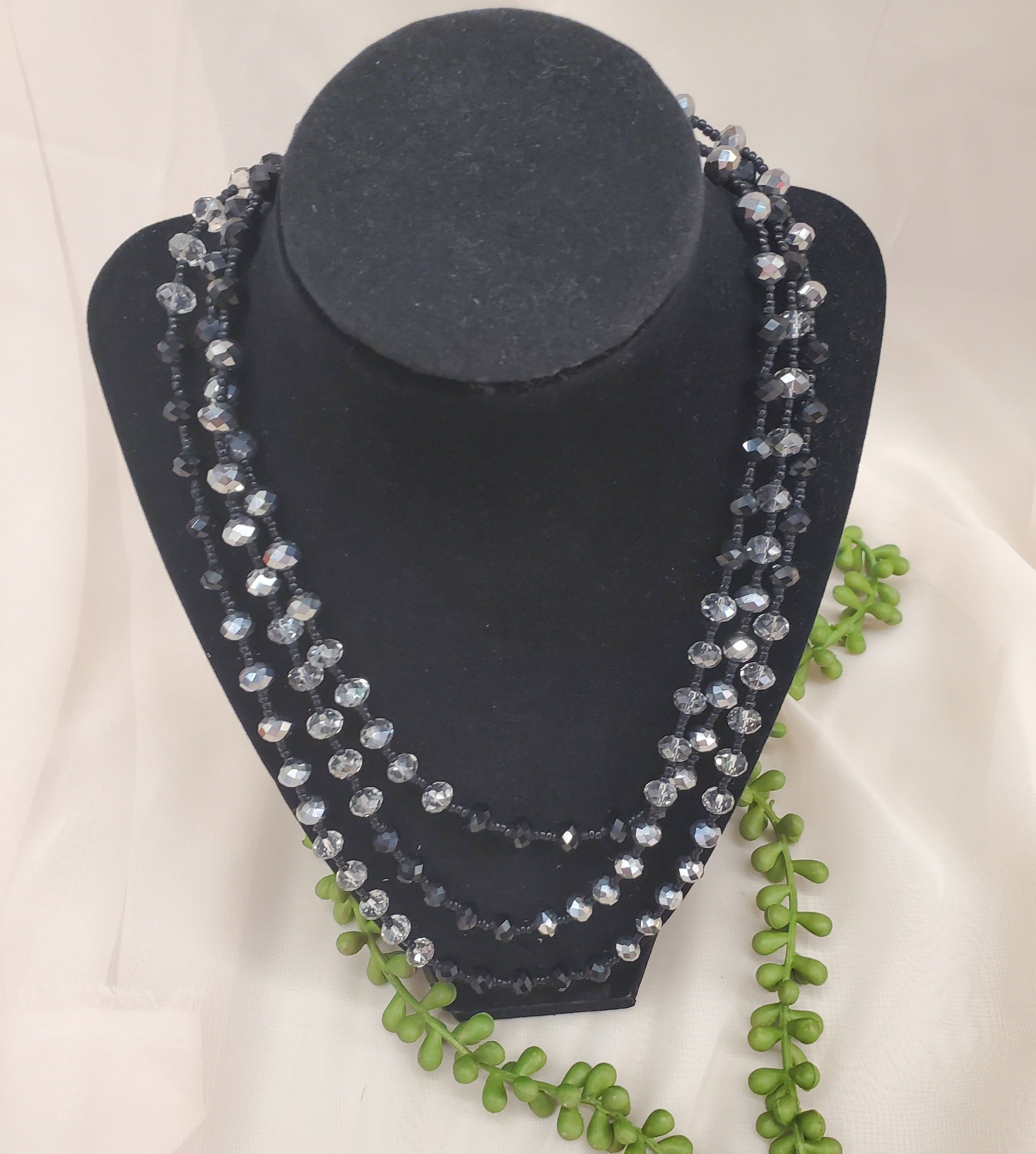 Black And Clear Bead Necklace With Earrings