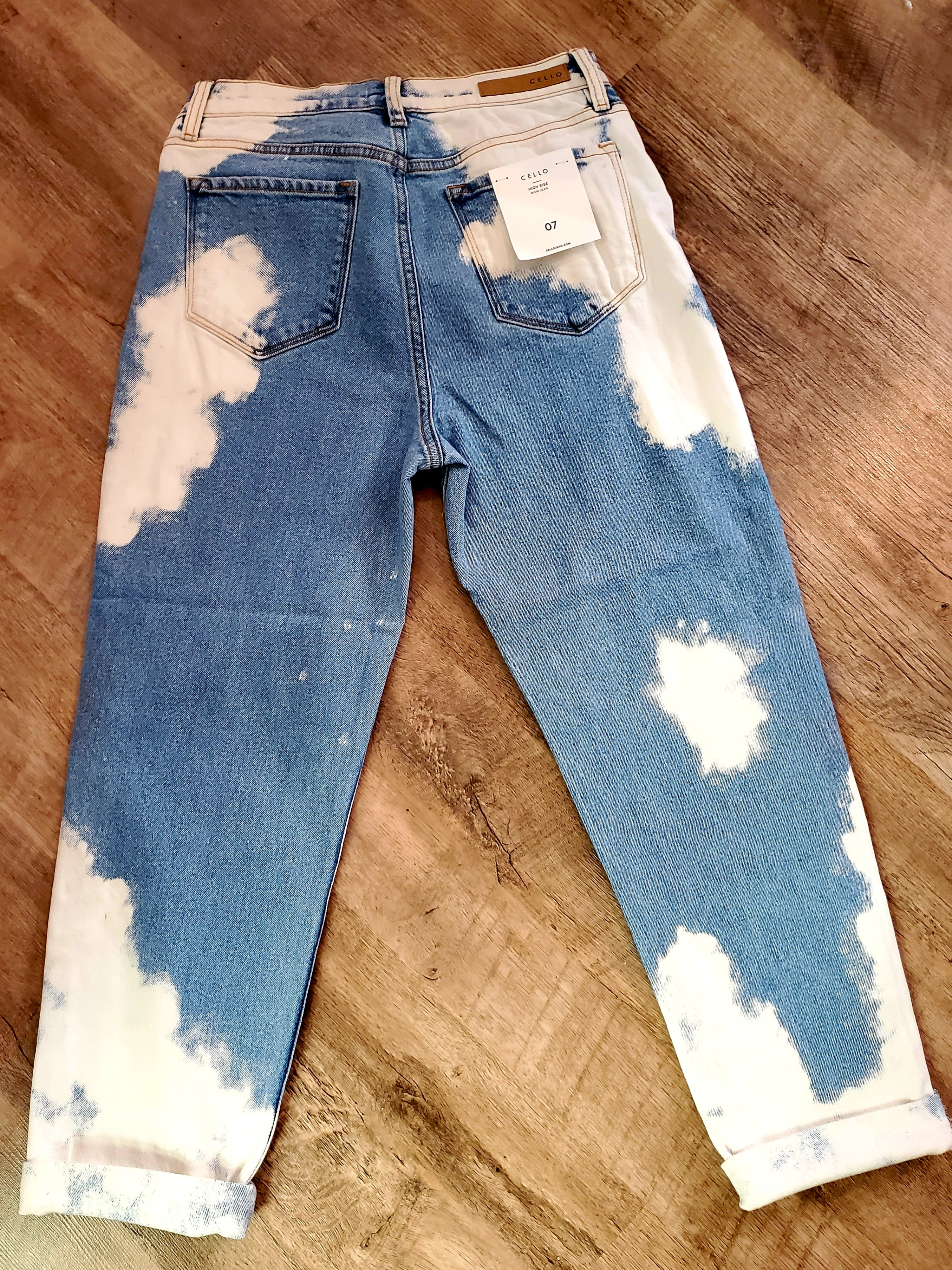 Cello Bleached Mom Crop Jeans