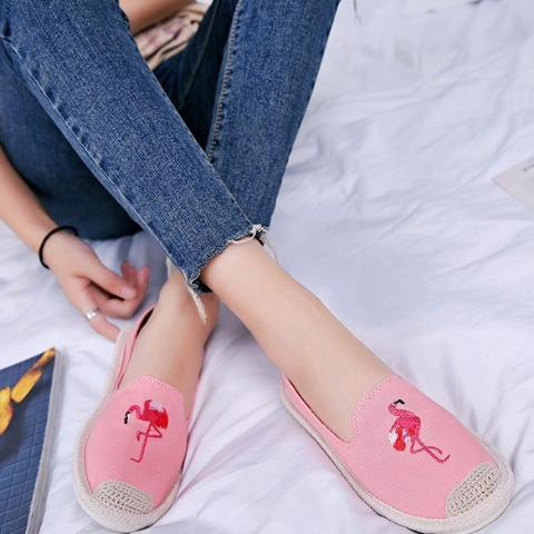 Women Embroidered Flamingo Hemp Shoes