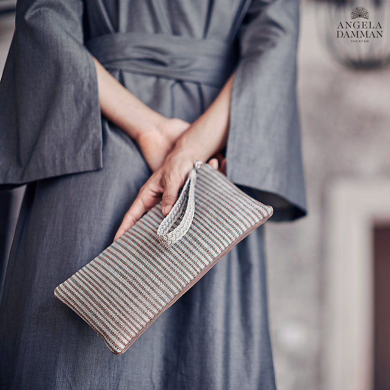 Clutch Aventura, Angela Damman brown/tin can | Crafthouse