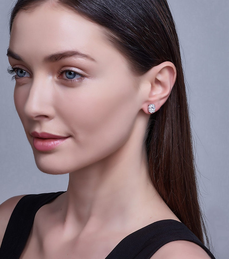 Liz Oval Stud Earrings