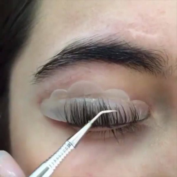 Do Lash Lifts Ruin Eyelashes?