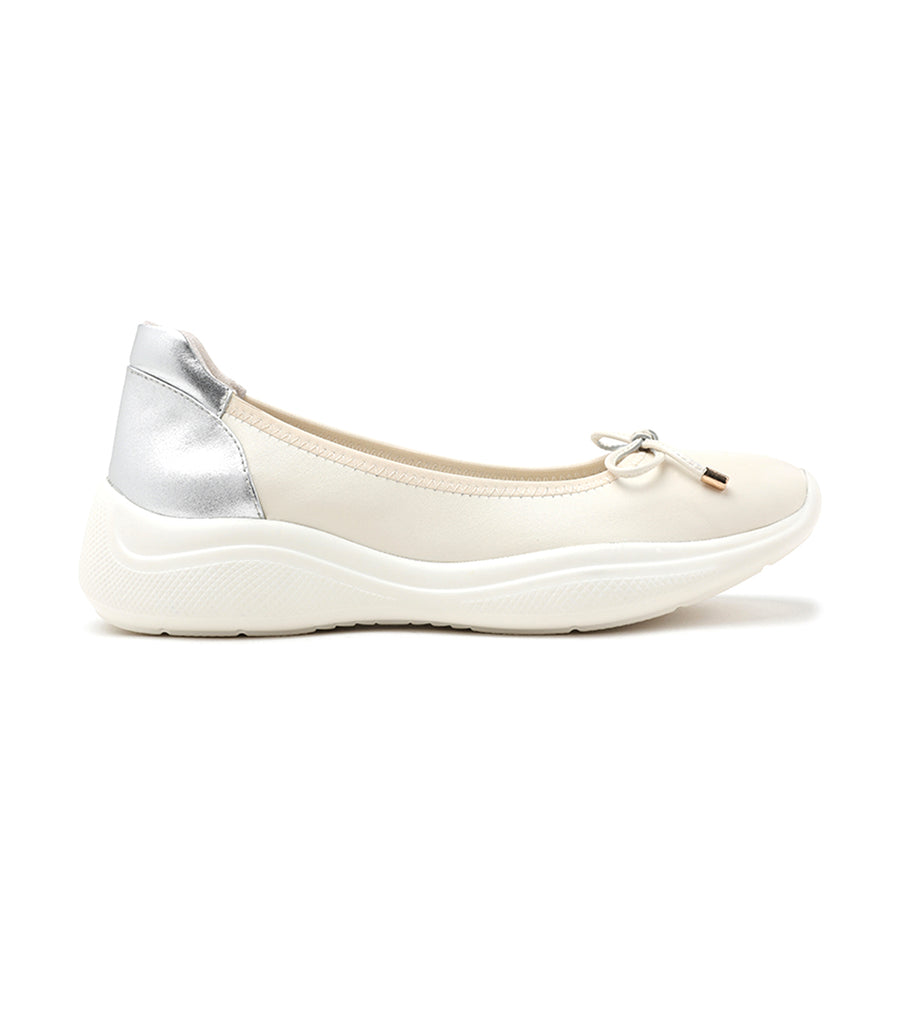 Athleisure-Inspired Ballerina Leather Flats Beige
