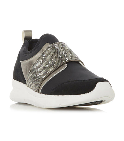 Excitable Slip-On Elastic Strap Trainer Black