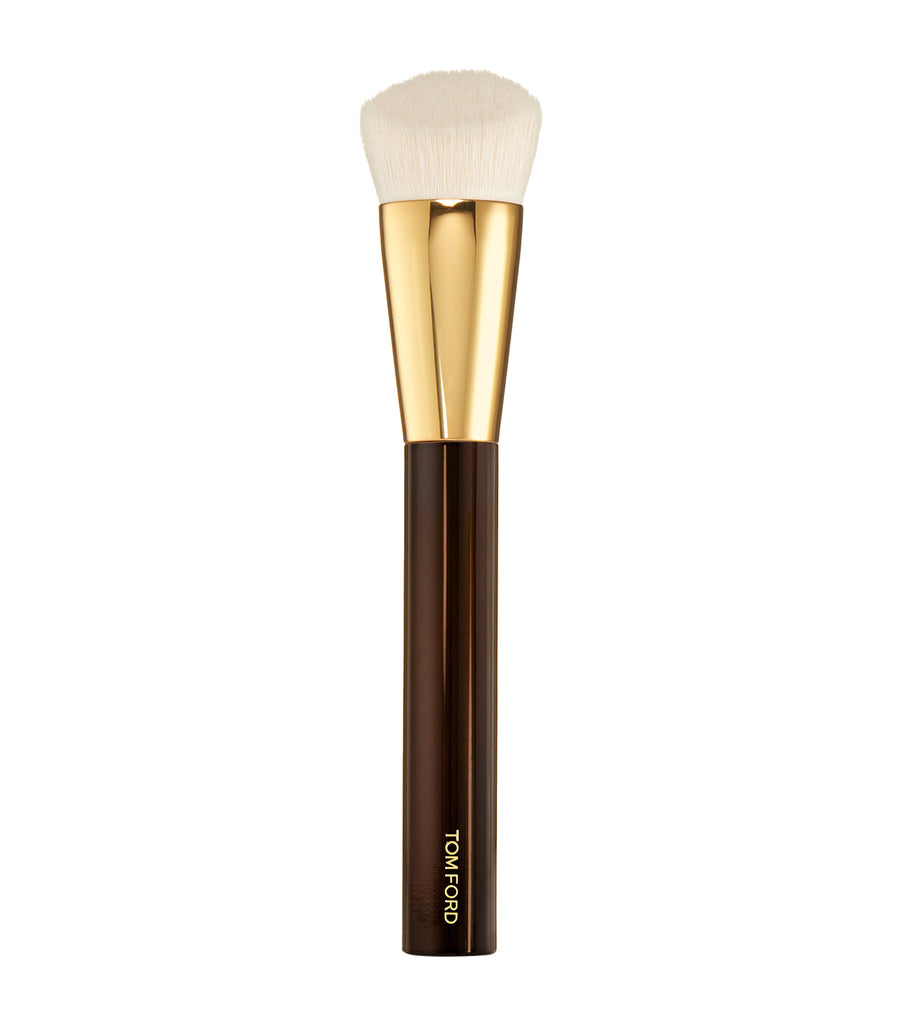 tom ford shade and illuminate foundation brush 2.5