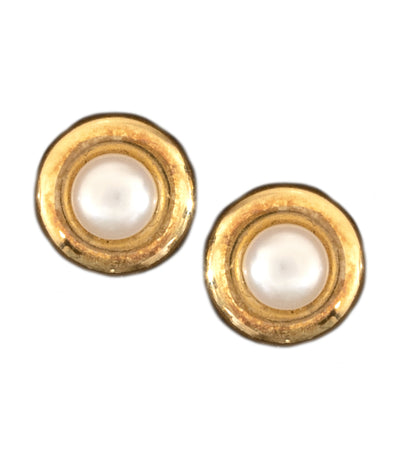Aguilar de Dios Round Pearl Baby Earrings 18k Yellow Gold