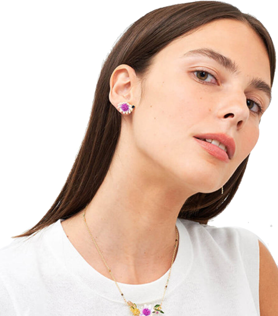 les néréides white flower with pink and blue pistil earrings