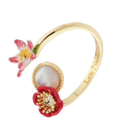 les néréides poppy, white flower, coco-plum and mother-of-pearls adjustable ring