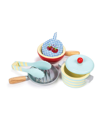 le toy van honeybake pots and pans set