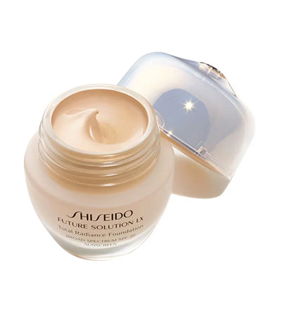 shisiedo Golden 1 future solution lx total radiance foundation spf 20