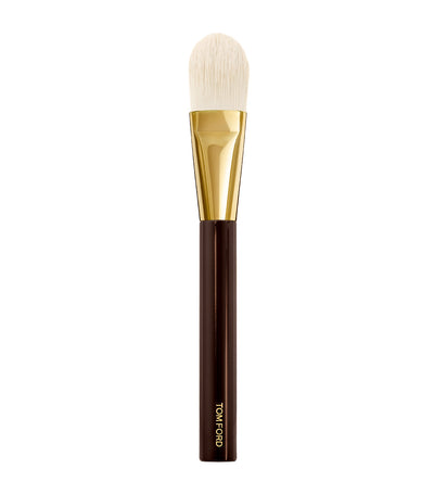 TOM FORD Foundation Brush 01
