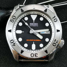 Load image into Gallery viewer, SSPOBLACK005 - SKX007 Stainless Bezel Insert - Watch&Style