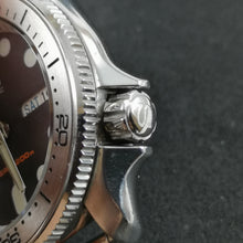 "Load image into Gallery viewer, SKX007 Polished Crown ""S"" - Watch&Style"