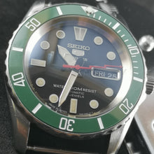 Load image into Gallery viewer, SNZF17 Sub Green Ceramic Bezel Insert - Watch&Style