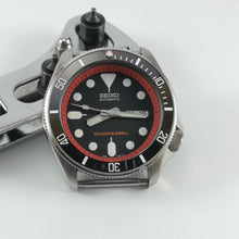 Load image into Gallery viewer, SKX007 Chapter Ring-Red with Minute Marker - Watch&Style