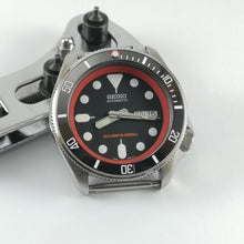 Load image into Gallery viewer, SKX007 Chapter Ring-Red - Watch&Style