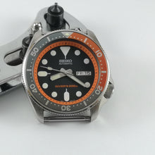 Load image into Gallery viewer, SKX007 Chapter Ring - Orange with Minute Marker - Watch&Style