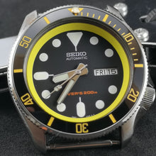 Load image into Gallery viewer, SKX007 Chapter Ring-Yellow - Watch&Style