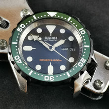 Load image into Gallery viewer, CI0020 SKX007 Flat Ceramic Bezel Insert - Green SKX Style