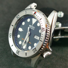 Load image into Gallery viewer, SKX013 Stainless Bezel Insert - Sub Style Red