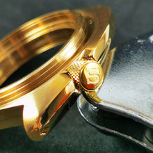 Load image into Gallery viewer, CN0474 SRP Turtle Re-issue Knurled Crown - Polished Gold