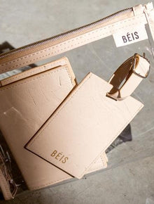The Passport & Luggage Tag Set in Beige Patent