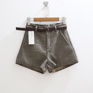 Elegant Shorts With Belt