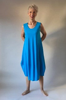 Scoop Neck Sleeveless Tulip Hem Dress