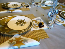 Load image into Gallery viewer, Crescent Gold/Silver Napkins