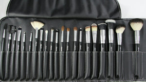 22 piece Brush Case for makeup brushes