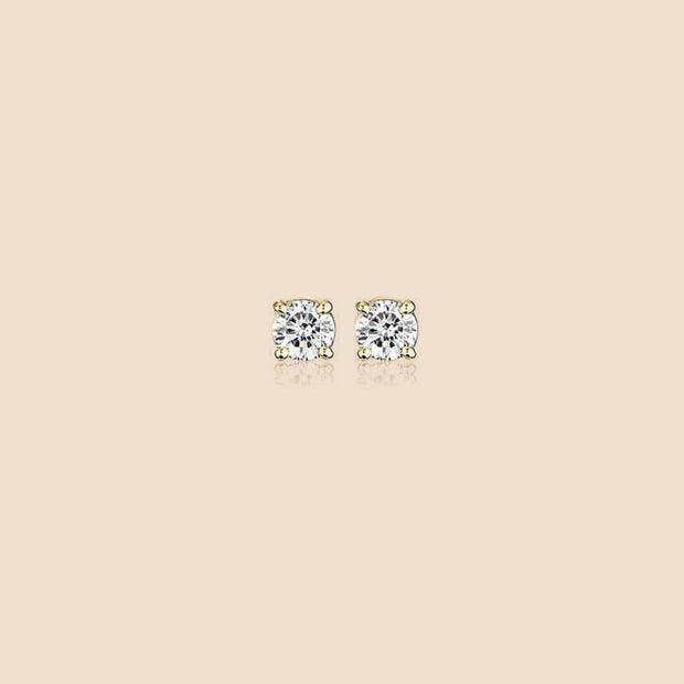 Diamond Stud Earring.