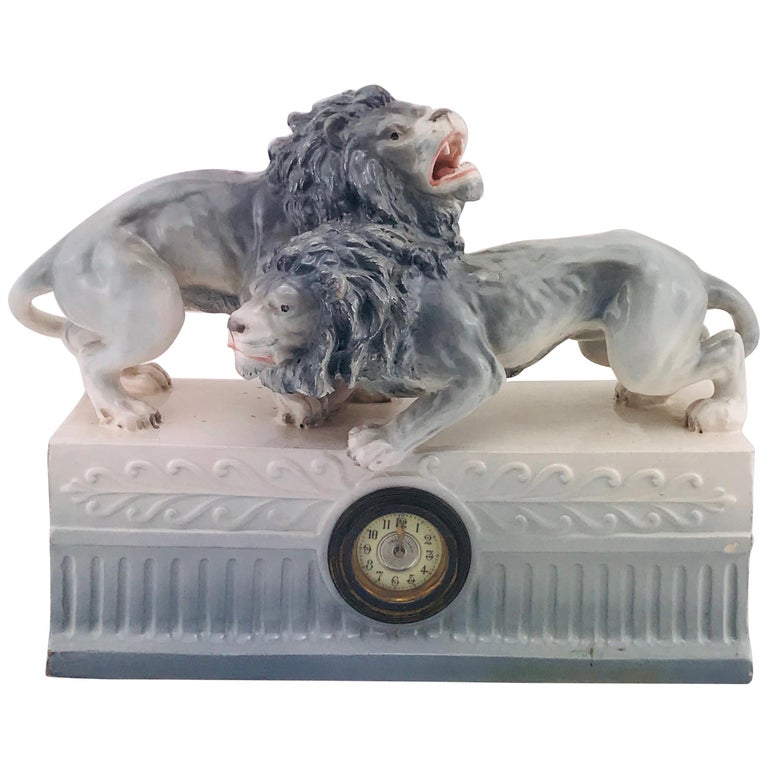 Italian Art Deco 1940s Ceramic Lions Sculpture Table Clock, 1940s