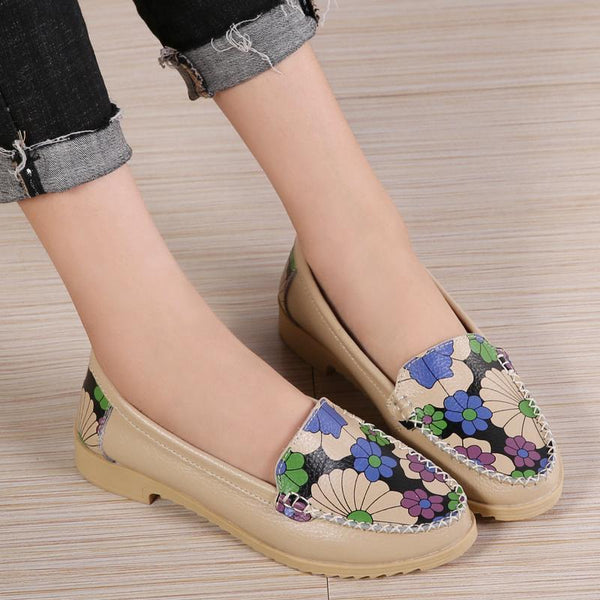 Women's Printed Pointed Toe Loafers