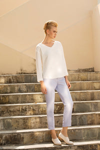 The leisure moment tapered pants in Pastel Blue