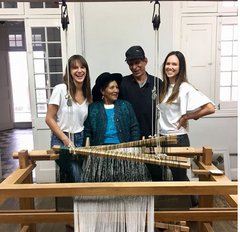 Escvdo founders with artisans from Perú