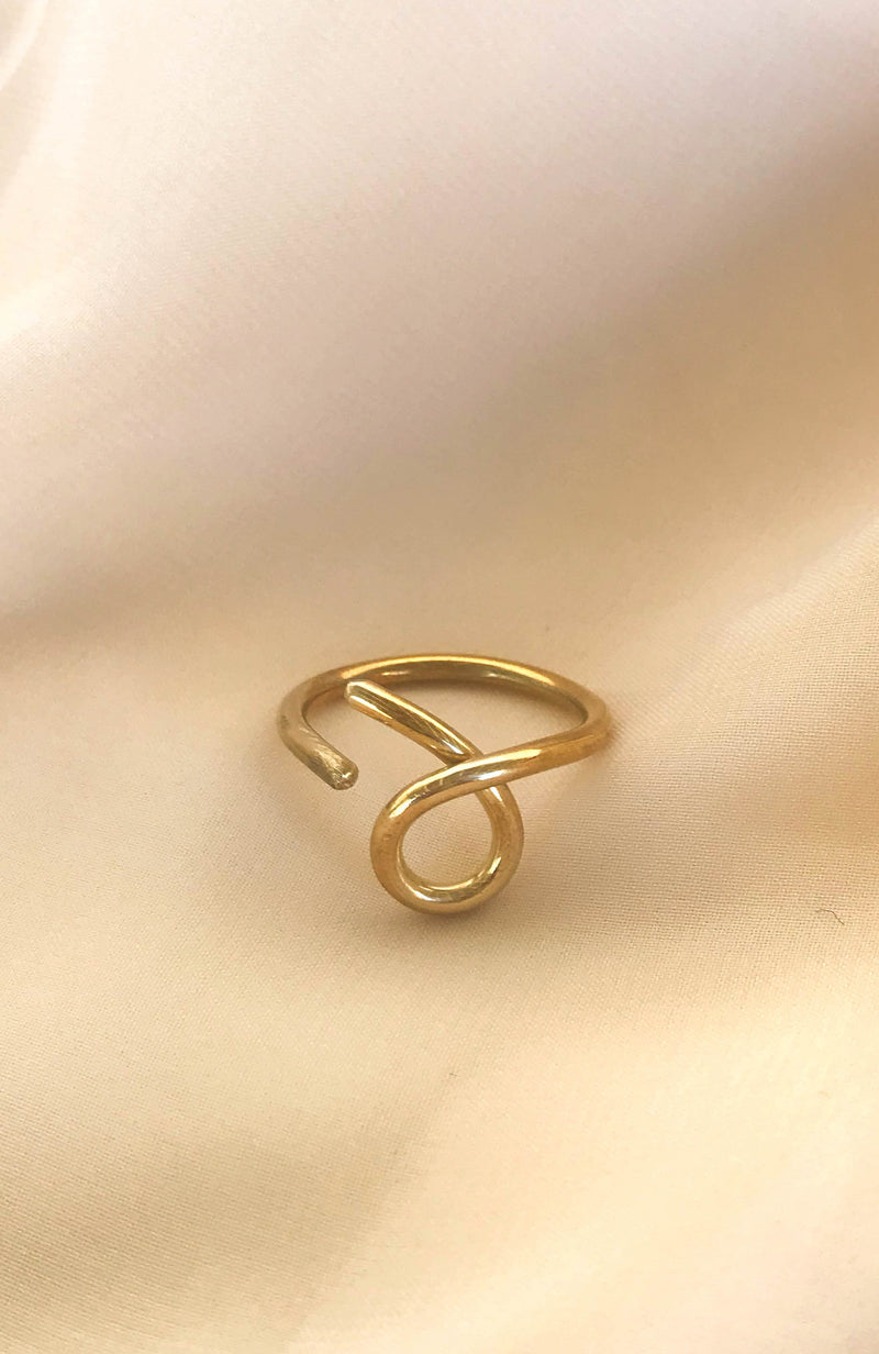Solid bronze ring with twisted design handmade in Puerto Rico