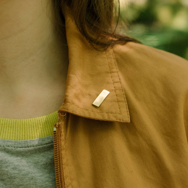Minimal rectangle pin badge