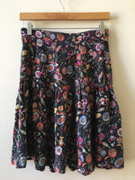 90s Nicole Miller for Food & Wine 100% Silk Pleated Skirt (M)